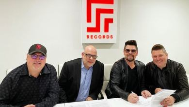 Photo of Jay DeMarcus welcomes Jason Crabb to Red Street Records