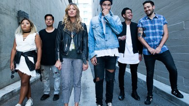 Hillsong-Young-and-Free-press-2016-billboard-650