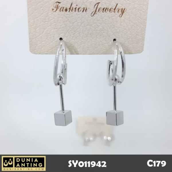 C179 Perhiasan Anting Model Gantung Circle Square Silver Platinum 4cm