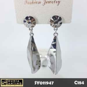 C184 Perhiasan Anting Tusuk Model Daun Platinum Silver Earrings 6,5cm