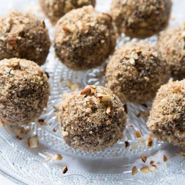 No Bake Peanut Butter Energy Bites 🥜 Gluten Free & Vegan