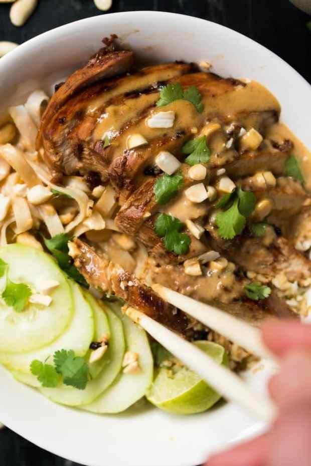 Low Carb & Keto Chicken Satay Noodle Bowl🍜 Easy-peasy! #keto #ketodiet #lowcarb #healthyrecipes