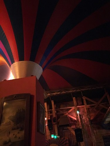 Under the circus tent of Fogas Haz