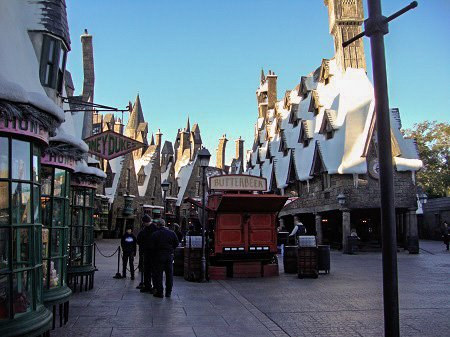 Wizarding World of Harry Potter hogsmeade