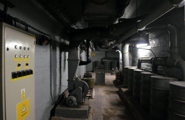 prague bomb shelter tour