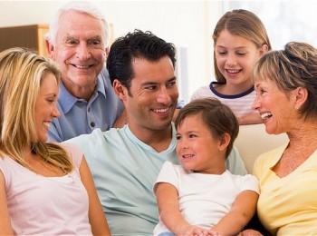 أسرة سعيدة
