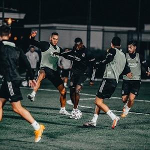 Ponturi fotbal 20-22 noiembrie 2020 - Besiktas vs Basaksehir