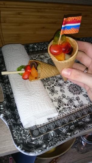 Fruit met snoep trakatie