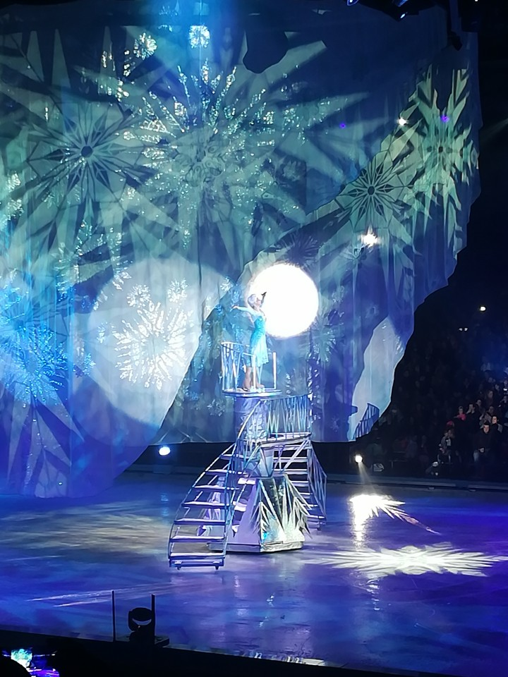 Disney on ice betoverende werelden elsa anna