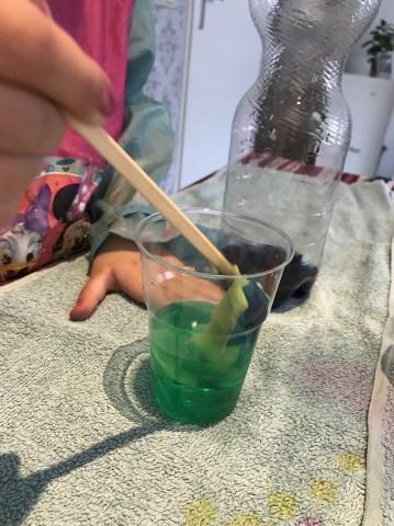 zelf gekleurd water maken