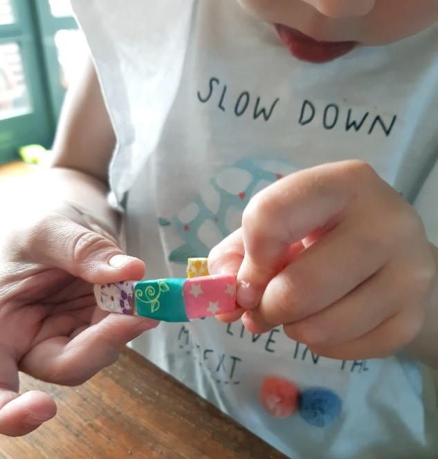 hoe maak je ijsstokjes armband