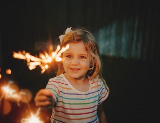 Veilig vuurwerken afsteken met kinderen: 5 tips