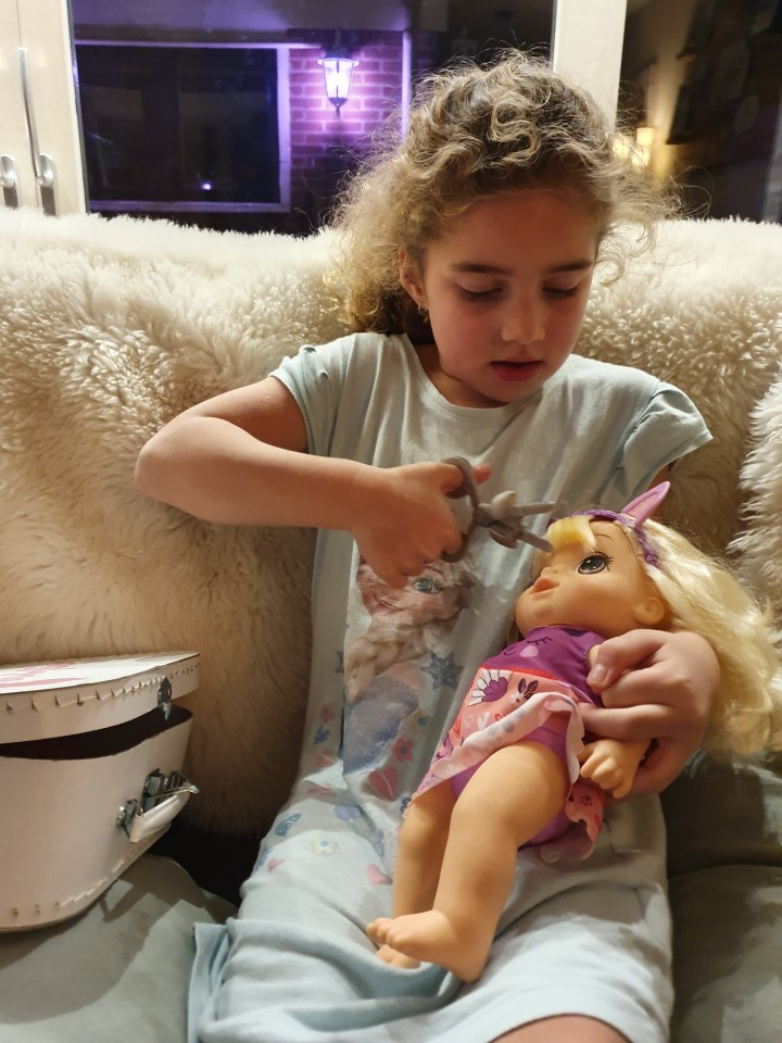 baby pop haren knippen