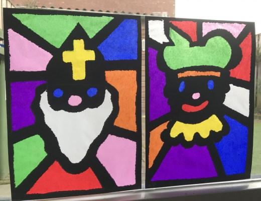 Glas in lood Sint en Piet op het raam