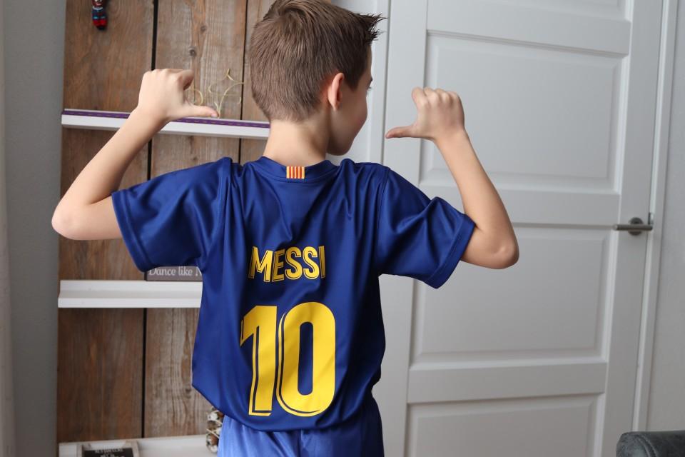 Scoor goede en goedkope kindervoetbalkleding