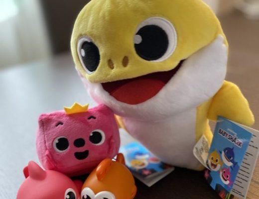 { Review } | Baby Shark knuffels en badspeeltjes