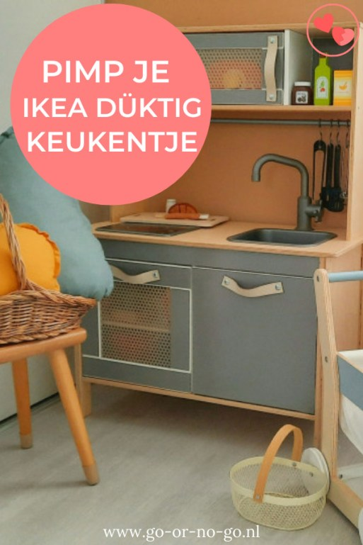 Zoals heel veel gezinnen in Nederland hebben wij een IKEA speelgoed keukentje in huis. Tijd voor een Ikea Düktig keukentje make-over!