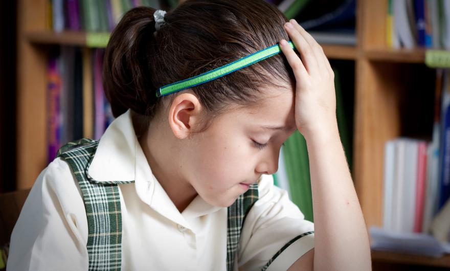Wat doe je als jouw kind faalangst heeft en hoe herken je het? Lees wat het is en krijg tips hoe je kunt omgaan met kinderen met faalangst.