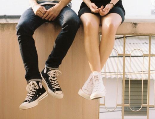 Wist je dat de sneakers voor tieners de meest veelzijdige schoenen zijn? Wil jouw tienerzoon een paar sneakers? Good for you! Kijk maar mee!