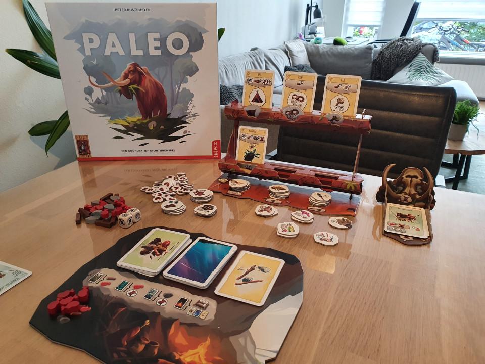 Hier vind je de Paleo speluitleg en onze review: wat vinden wij van het coöperatieve Paleo en is het terecht Speelgoed van het Jaar 2021?