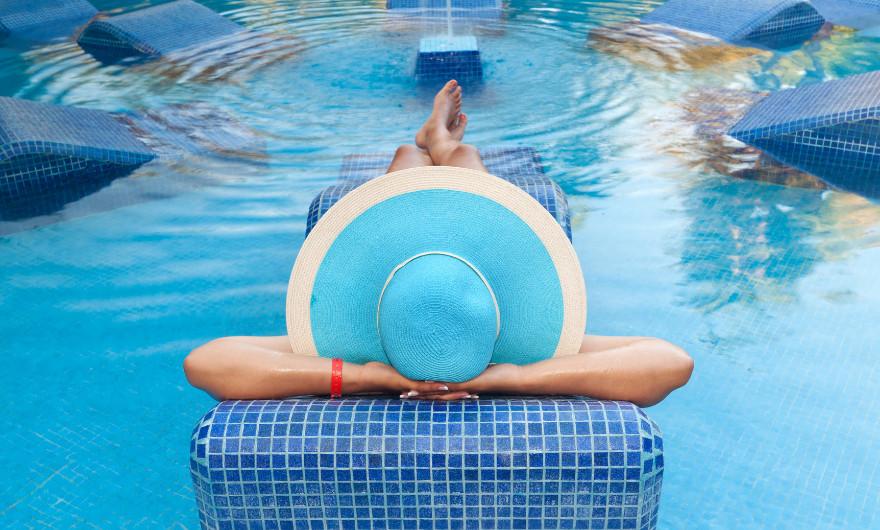 Bestaat je leven merendeels uit werken en wordt het nou echt eens tijd om te ontspannen? Kijk je uit naar welverdiende vakanties?