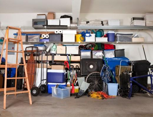 De garage: ik heb er echt een haat-liefde verhouding mee. Een gevalletje: ik kan niet met, maar zeker ook niet zonder. Maar wat een rommel!