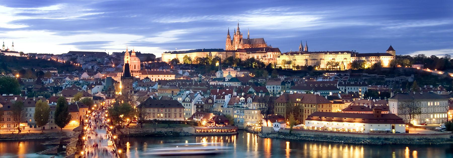 Skyline es un nuevo proyecto residencial de dos torres de 100 metros de altura y 25 plantas que creará una nueva visión de madrid. Prague Vacation Packages | Prague Trips with Airfare from