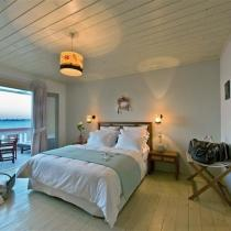 apart 4 dimitris master bedroom 1 (Small)