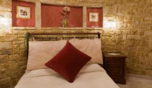 14_spa bedroom (Large)