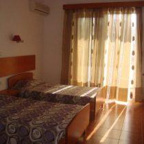 room4 (Large)