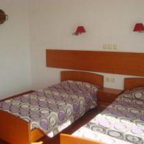 room5 (Large)