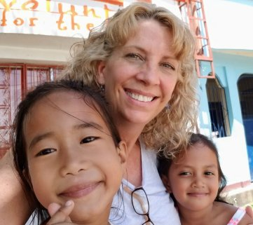 Renee Rinn GoAbroad Foundation