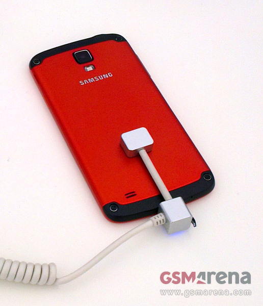 Samsung I9295 Galaxy S4 Active red 2