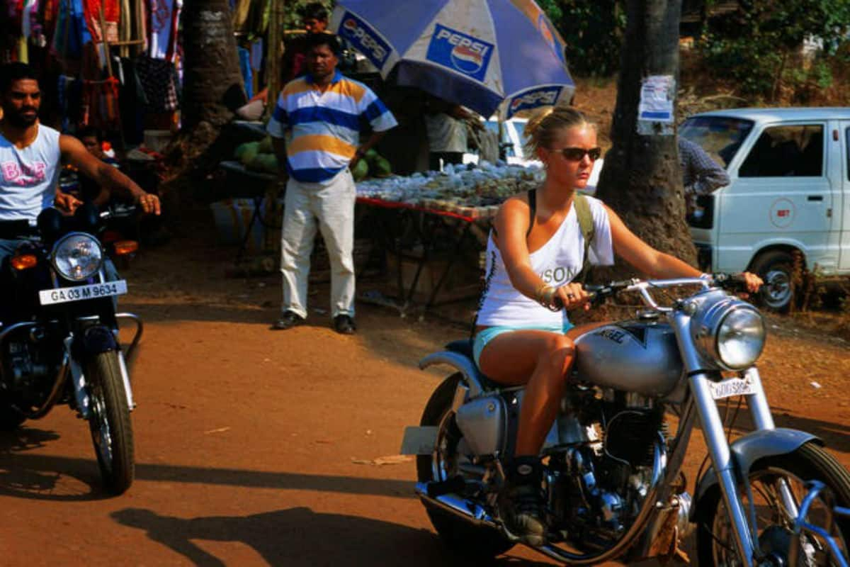 Goa Police Penalised 97 Foreigners Traffic Violations Coastal Belts