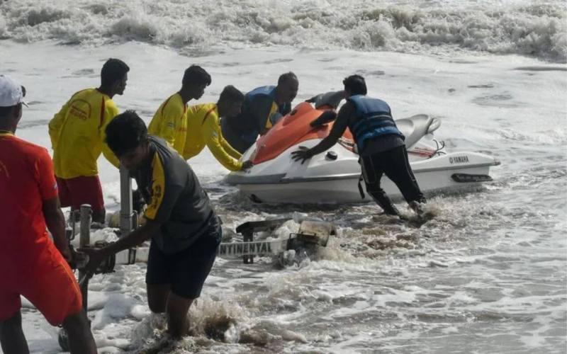 Drishti Lifesavers Saves Six Fishermen From Drowning In Sea