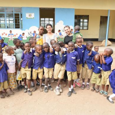 Volunteers and Kids in Tanzania