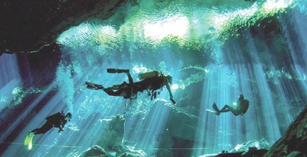 /cms/uploads/image/file/523369/Quintana-roo_Tulum_gran-cenote-de-tulum_web.jpg