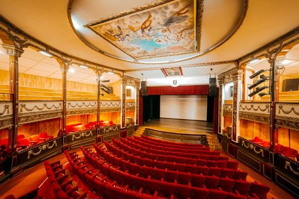 /cms/uploads/image/file/525959/El-Oro-Pueblo-Magico-Teatro-Juarez-web.jpg
