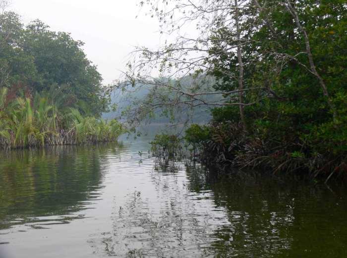 riviere de Gantung Belitung Indonésie
