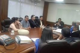 Gobernador se reúne con gerente del  IGSS