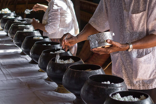 rice offering in the second day of Cambodia new year