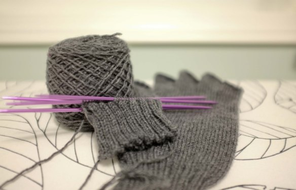 Knitting_FingerlessGlove1