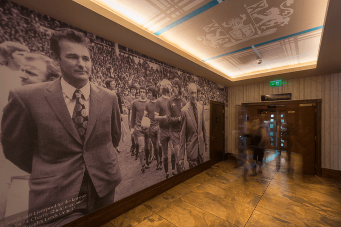 4-large-wallpaper-print-hall-way-shankly-hotel