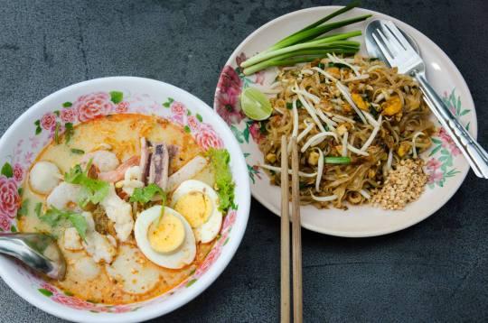 Dinner: Tom Yum Soup & Phad Thai