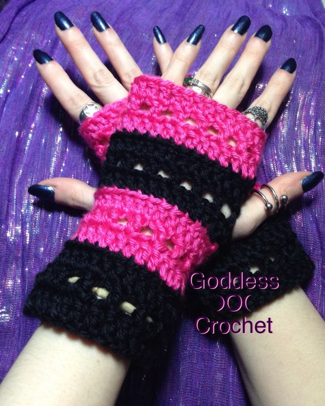"Free Crochet Pattern - The ""Nikki Wristers"" Fingerless Gloves"
