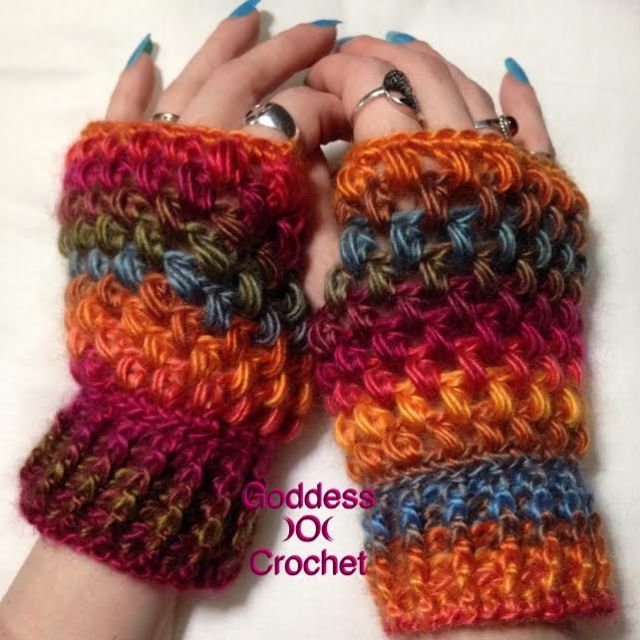Free crochet pattern - Puff Stitch Fingerless Gloves