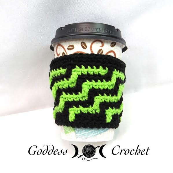 Coffee cozy crochet pattern, free crochet pattern, goddess crochet green