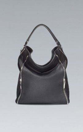 (6) A multi – purpose bucket bag. Multipurpose bucket Zara  36 x 46 x 16 cm. / 14 x 18 x 6 inches. 69.95 EUR