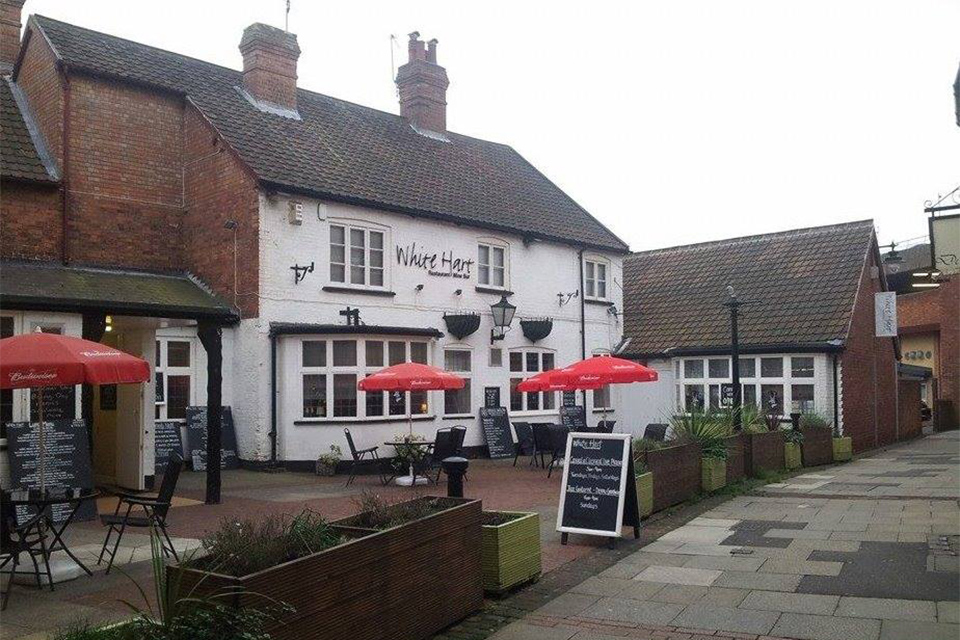 The White Hart Inn in Newark  Menus Reviews and Offers