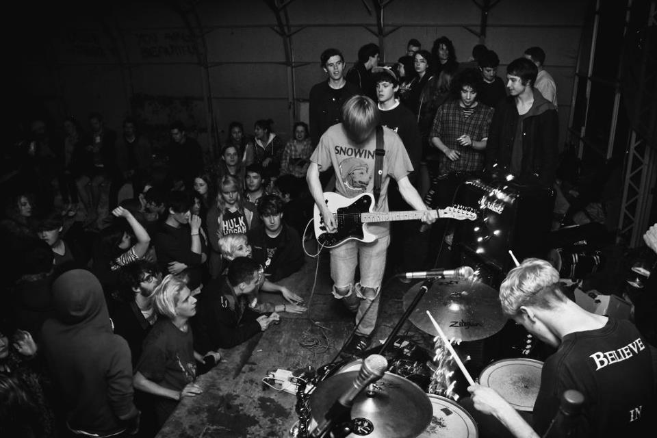 Playlounge to release debut 12″ EP & Support Johnny Foreigner